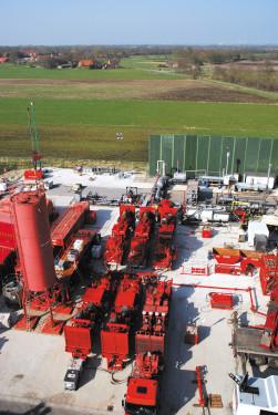 Fracarbeiten im Tight-Gas-Feld Leer. Quelle: Wirtschaftsverband Erdöl- und Erdgasgewinnung e.V.