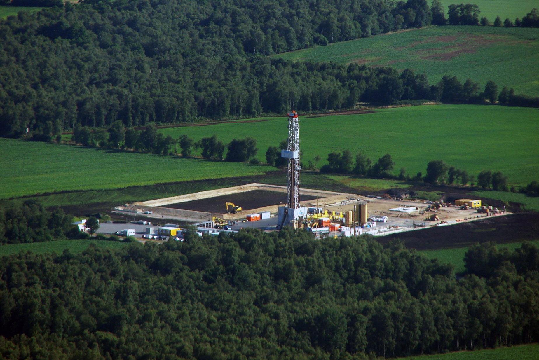 """ITAG-Rig 30 auf Schiefergaserkundungsbohrung """"Damme 2"""" Sukrams"""