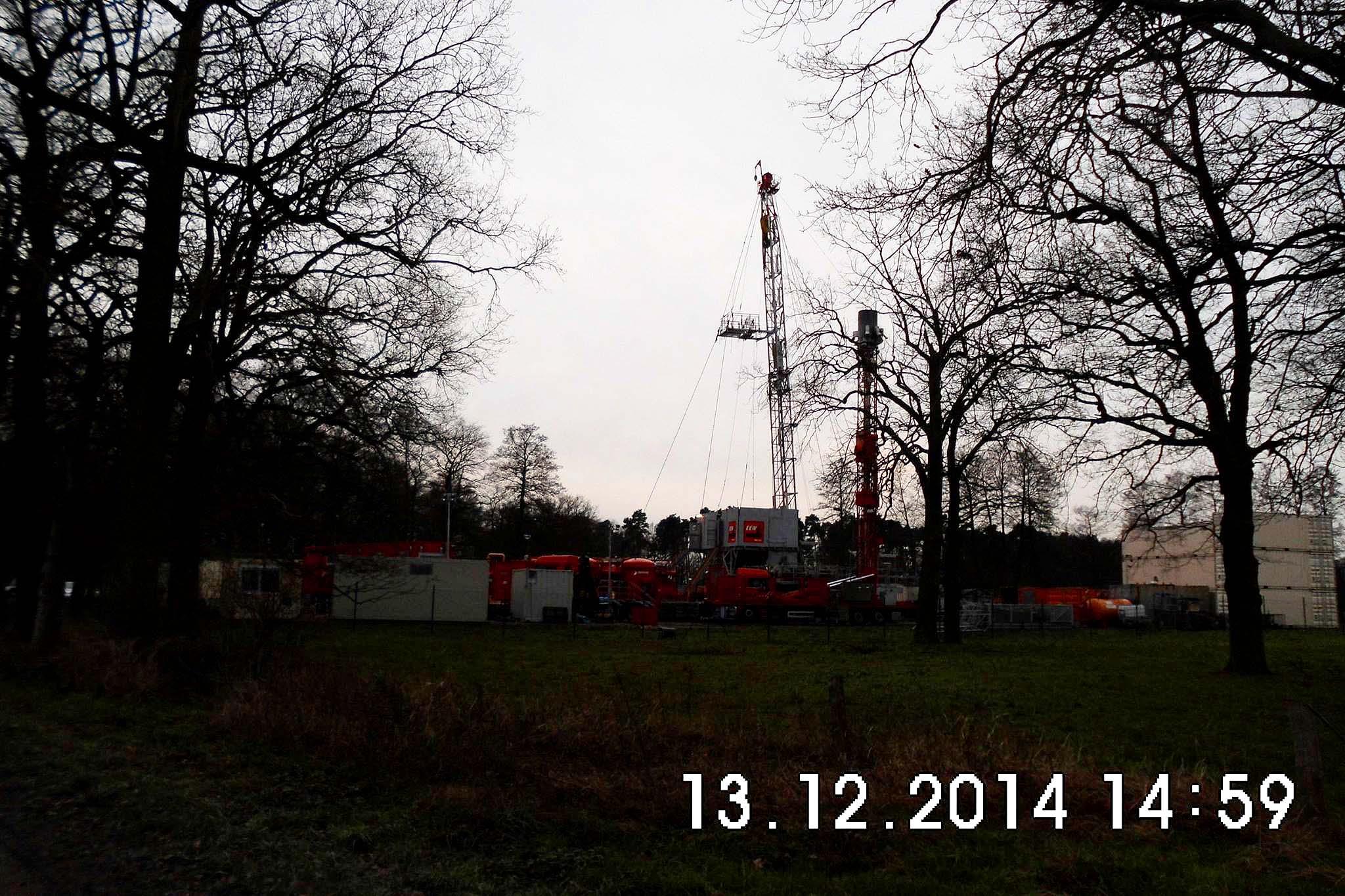 """EEW-Workoveranlage T-44 auf Erdgasförderbohrung """"Wenze1"""" Foto: D. U. Merten"""