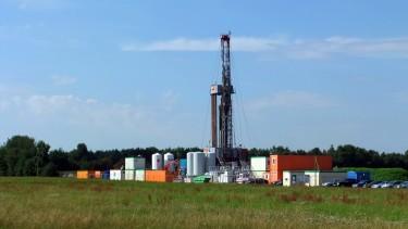 """Erdölbohrung """"Börger 7a"""" während der Bohrphase, August 2013 ©chef79"""
